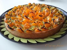 J'aime beaucoup les recettes de Ben Adato, et cette tarte en fait partie. Elle est composée d'une pâte sucrée et d'une crème amandin...