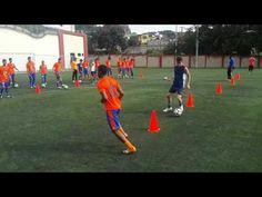 Combinaciones y acciones fisicas y tecnicas de fundamentos tecnicos de futbol con enfasis en el pase por el cesped