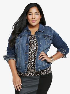 ccb618021b5b3 A good denim jacket is such a versatile piece that can be worn year round!