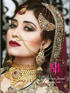 bridal jewelry for the radiant bride Indian Wedding Jewelry, Bridal Jewelry, Indian Weddings, Indian Jewelry, Saris, Nose Jewelry, Gold Jewellery, Diamond Jewelry, Jewlery