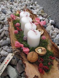 15 Fabulous Christmas Candle Decoration Ideas to delight your Holiday Weihnach. - 15 Fabulous Christmas Candle Decoration Ideas to delight your Holiday Weihnachten - Christmas Advent Wreath, Christmas Candle Decorations, Advent Candles, Christmas Candles, Rustic Christmas, Simple Christmas, Christmas Crafts, Table Decorations, Christmas 2019