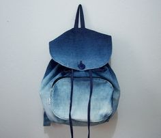 Discover recipes, home ideas, style inspiration and other ideas to try. Backpack Purse, Leather Backpack, Fashion Bags, Fashion Backpack, Mochila Jeans, Mini Mochila, Cute Backpacks, Fabric Bags, Girls Bags