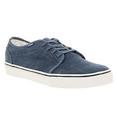 Vans 106 fleece lined shoes