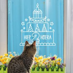 Ter ere van het tweejarig bestaan van Raamtekening.nl (op 6 januari 2018), een feestelijke freebie #raamtekening! En omdat natuurlijk niet iedereen 2 jaar wordt, inclusief 1 t/m 9 cijfers. Veel (raam)tekenplezier!
