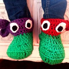 We Love Cozy : Ninja Turtle slipper socks free pattern