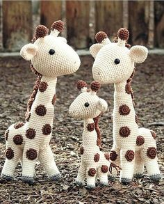 43 Cute Amigurumi Animals Toy Pattern Ideas Volume Website Crochet giraffe family toys, Toys Patterns we Crochet Toys Patterns, Amigurumi Patterns, Crochet Dolls, Doll Patterns, Crochet Baby, Pattern Ideas, Crochet Giraffe Pattern, Free Pattern, Amigurumi Giraffe