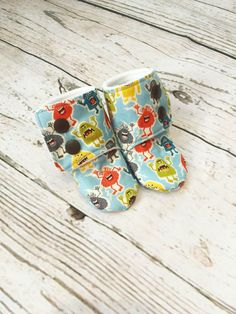 Little Monsters Baby Stay on Booties / Monster Print Baby Booties / Toddler Slipper / Babywearing Booties