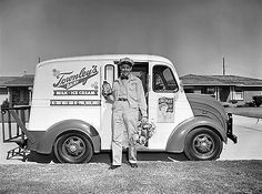 1953 Townley's Dairy Milk Truck & Delivery Man 8 x 10 Photograph