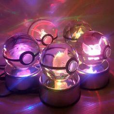 Pokemon Go Mew 3D LED Crystal Keychain /& Gift Box Gold Star EX Shining
