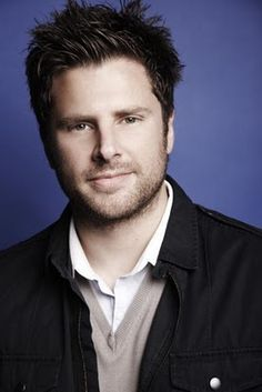 James Roday ( Shawn Spencer - Psych) - He looks like my boyfriend! Shawn And Gus, Shawn Spencer, Chicano, James Roday, Raining Men, Attractive People, Celebs, Celebrities, Celebrity Crush