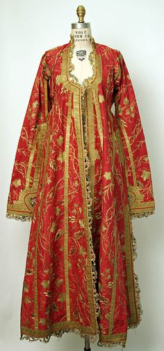 Met Museum Caftan Date: century Culture: Turkish Medium: silk, cotton, metallic Dimensions: Length at CB: 57 in. Vintage Outfits, Vintage Dresses, Vintage Fashion, Historical Costume, Historical Clothing, Fru Fru, Period Outfit, Vintage Mode, Folk Costume