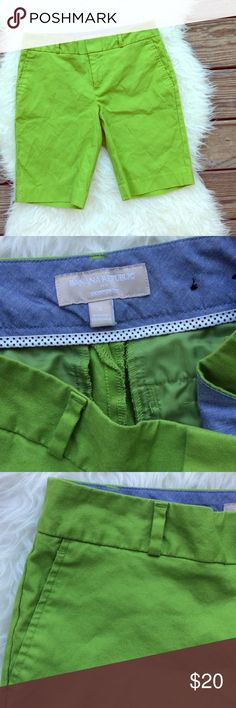 "Banana Republic Hampton Fit Lime Bermuda Shorts Excellent condition Banana Republic Hampton Fit burmuda shorts. Lime green. Size 2. Waistband 31"", rise 9"", inseam 10"". Four pockets. No trades, offers welcome. Bundle to save 20%. Banana Republic Shorts Bermudas"
