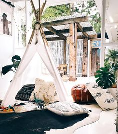 Spell Byron Bay Australia created an inspiring tipi in their boutique. Maybe this will be the next Majestic Soul project?