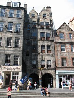 Gladstone's Land: This six-story 17th century tenement house has been restored and furnished with period furniture. Visitors can get a feel for what it was like to live in the confined living conditions of 400 years ago at this popular attraction.