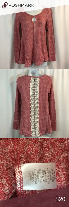 Almost Famous SZ M Sweater with Lace Detailed Back Almost Famous SZ M Sweater with Lace Detailed Back Almost Famous Tops