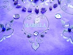 Mandala em aquarela com tom violeta. Diâmetro médio de 25cm. Moldura branca padrão. *Pode haver divergência na tonalidade.