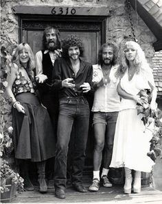 Music Photography Bands People Ideas For 2019 Photography Women, Amazing Photography, Photography Music, Photography Flowers, Buckingham Nicks, Lindsey Buckingham, Stevie Nicks Fleetwood Mac, We Will Rock You, Music Icon