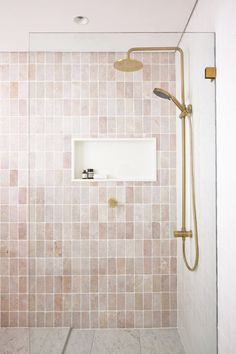 Curl Curl 2 — RHYS / JONES INTERIOR ARCHITECTURE Bathroom Renos, Bathroom Renovations, Small Bathroom, Master Bathroom, Bathroom Design Inspiration, Bathroom Interior Design, Open Plan Kitchen Living Room, Bathroom Styling, Bathroom Inspo