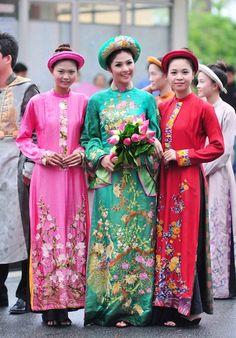 Hình ảnh hoa hậu Ngọc Hân hoá thân thành hoàng hậu  - www.cic.edu.vn