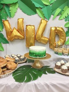 let's get wild party animals birthday party. Lots of great diy ideas for a safari or jungle themed party Jungle Birthday Cakes, Safari Birthday Party, Animal Birthday, Boy Birthday Parties, Birthday Ideas, 3rd Birthday, King Birthday, Animal Party, Party Animals