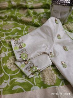 Beautiful jute saree with designer work blouse 4000 Pattu Saree Blouse Designs, Blouse Designs Silk, Designer Blouse Patterns, Bridal Blouse Designs, Lehenga Blouse, Simple Blouse Designs, Stylish Blouse Design, Maggam Work Designs, Kurti Embroidery Design