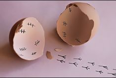Haha, I love the marks on the inside! So cool for Easter morning laughs for the lil' ones :) Funny Eggs, Drinking Memes, Haha, Food Humor, Funny Food, Humor Humour, Easter Crafts, Easter Ideas, Happy Easter