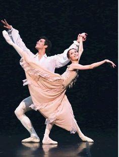 "<< Svetlana Zakharova and Roberto Bolle in Kenneth MacMillan's ""Manon"" at Teatro alla Scala # © Teatro alla Scala>>"