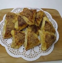 Prenses Tacı Tatlısı - Pratik Tatlı Tarifleri Sliced Potatoes, Homemade Beauty Products, Dessert Recipes, Desserts, Dumpling, Fritters, Potato Recipes, Biscotti, Meals
