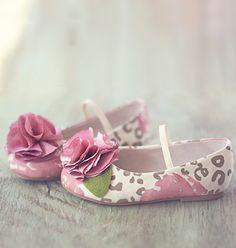 Pretty shoes for Easter - Joyfolie leopard rose flats #kids #shoes