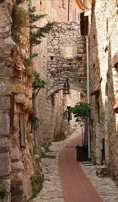 Attractive alley in Èze, Alpes-Maritimes, France