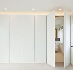 best easy diy for your dream closet doors 31 Wardrobe Design Bedroom, Closet Bedroom, Home Bedroom, Ideas Armario, Modern Closet Doors, Hidden Closet, Wardrobe Doors, House Inside, Closet Designs