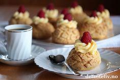 En helt herlig kake som anbefales til helgen! Pancakes, Food And Drink, Pudding, Baking, Breakfast, Desserts, Creative, Morning Coffee, Tailgate Desserts