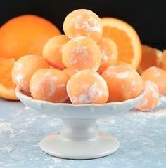 These creamsicle truffles are a real crowd-pleaser. You can make these in any flavor you can imagine! These truffles are sweet and zesty. Why pay for truffles when you can make them at home? Orange Creamsicle, Healthy Dinner Recipes, Dessert Recipes, Cooking Recipes, Desserts Japonais, White Chocolate Chips, Chocolate Blanco, Fudge, Recipe Images
