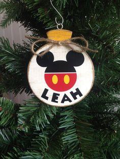 Mickey Mouse Christmas for Gunnar :) Disney Christmas Ornaments, Mickey Mouse Christmas, Christmas Wood, Disney Diy, Disney Crafts, Disney Cruise, Wood Ornaments, Xmas Ornaments, Holiday Crafts