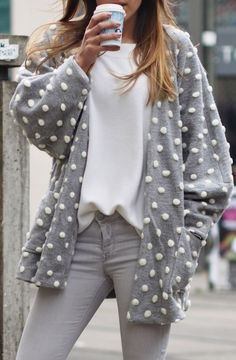Polka Dot Cardi Styling Outfits Otoño, Cozy Winter Outfits, Blazers, All About Fashion, Belle Photo, Dress To Impress, Turtleneck, What To Wear, Polka Dots