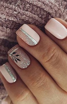 Bright Nail Designs, Short Nail Designs, Simple Nail Designs, Stylish Nails, Trendy Nails, Cute Nails, Metallic Nails, Glitter Nails, Glitter Outfit