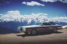 Tally Ho: Two English Students Traverse the United States in a '78 Lincoln