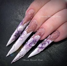 Edge nails with 3D flowers