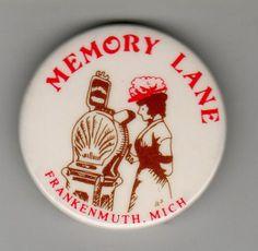 Memory Lane Arcade Button, Frankenmuth MI Michigan souvenir/clam shell/arcade