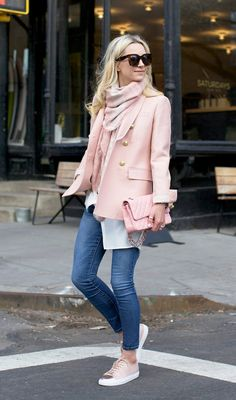 Cute Winter Outfits To Get You Inspired - Gucci Baby - Ideas of Gucci Baby - Pastel shades Blair Eadie ultra feminine gorgeous baby pink blazer scarf matching bag sneakers simple denim jeans Blazer: J. Cute Winter Outfits, Fall Outfits, Casual Outfits, Mode Outfits, Fashion Outfits, Fashion Trends, Fashion 2018, Mode Rose, Look Blazer
