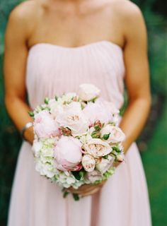 a bouquet packed with goodies: peonies, garden roses, hydrangeas Photography by Stewart Leishman Photography / stewartleishman.com, Floral Design by Fleur / fleurs.com.au #bouquet