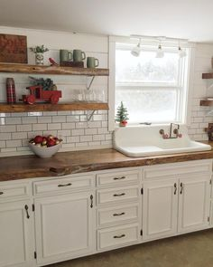 Best Farmhouse Kitchen Decor Ideas to Fuel Your Remodel One of our most favourite kitchen designs is rustic. And since we simply love farmhouses in this article we will discuss why rustic farmhouse kitchen is so great. Farmhouse Sink Kitchen, New Kitchen Cabinets, Farmhouse Kitchen Decor, Kitchen Redo, Home Decor Kitchen, Kitchen Styling, Home Kitchens, Rustic Farmhouse, Kitchen Decorations
