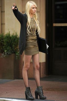 Fashion Gossip Girl Style Special (Taylor Momsen - Jenny Humphrey) - When searching for th Gossip Girl Jenny, Gossip Girls, Moda Gossip Girl, Gossip Girl Blair, Gossip Girl Season 4, Estilo Gossip Girl, Gossip Girl Outfits, Gossip Girl Fashion, Gossip Girl Clothes