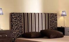 Quieres renovar tu viejo cabecero de cama de una forma económica, una manera sencilla es tapizarlo tu mism@. Nosostros te mostramos como http://telasyconfeccion.wordpress.com/2014/07/10/como-hacer-un-cabecero-de-tela/