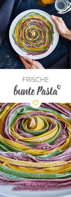 Grün, pink, gelb - oder welche ist deine Lieblingsfarbe? Werde kreativ und bereite deine eigene Pasta zu, die deine Gäste in Staunen versetzen wird.