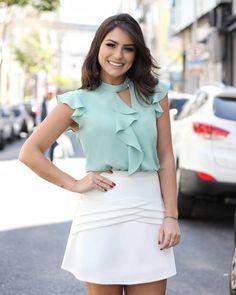 Shop Sexy Trending Dresses – Chic Me offers the best women's fashion Dresses deals Women's Fashion Dresses, Hijab Fashion, Casual Dresses, Girls Dresses, Blouse Styles, Blouse Designs, Hijab Style Dress, Dress Skirt, Dress Up