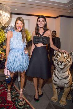 Anna Dello Russo and Giovanna Battaglia attend the Buro Fashion. Milan Fashion Weeks, New York Fashion, Paris Fashion, Women's Fashion, Giovanna Battaglia, Anna Dello Russo, Outfits Fiesta, Party Outfits, Fashion Editor