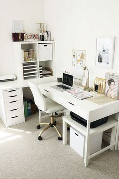 - Creating a home office is a mix between functional decor and fashionable interior design ideas. The home office should be a place that's designed for . Home Office Space, Home Office Design, Home Office Furniture, Home Office Decor, Office Designs, Cozy Office, Office Decorations, White Office, Office Table