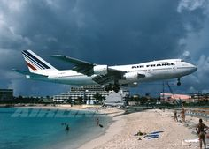 Caribbean forwards from inboxity: We will be landing at Princess Juliana Airport in a few minutes. Thank you for flying Air France and enjoy your stay on the . St Maarten Beaches, Air Inter, Course Pmu, Image Avion, Jet Privé, Photo Avion, Gato Animal, Commercial Aircraft, Civil Aviation