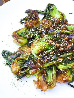 Choy - go vegan, stay vegan -Garlic Ginger Baby Bok Choy - go vegan, stay vegan - If you like a traditional quiche, look away now! Roasted Brussels Sprouts with Balsamic Vinegar & Honey Eggplant Hasselback bok choy Garlic Ginger Baby Bok Choy Pastas Recipes, Vegetable Recipes, Vegetarian Recipes, Dinner Recipes, Cooking Recipes, Healthy Recipes, Easy Recipes, Vegetarian Asian Recipes, Budget Cooking